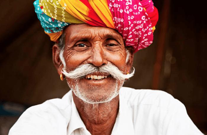 インド人といえばターバン的な謎の被り物